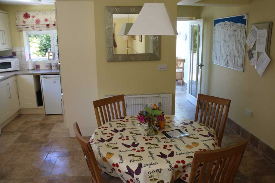 self catering cottage accommodation in north norfolk - wisteria