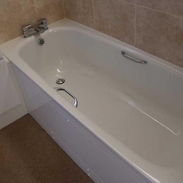Bedroom 2, Bath