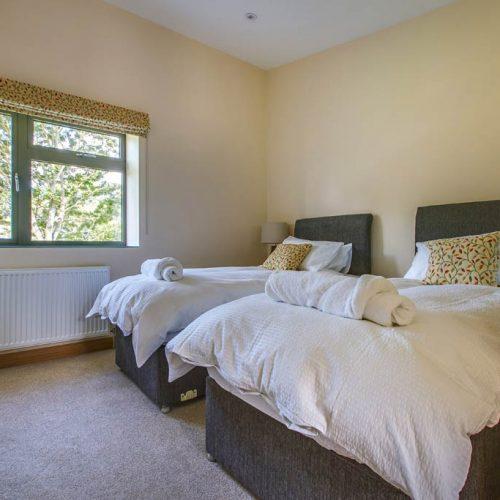 Bedroom 3 Set As Twin